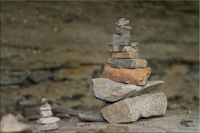 Small cairn of rocks, Pha Taem NP