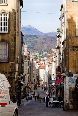 Afternoon view down Rue des Gras, Clermont-Ferrand to Puy de Dôme