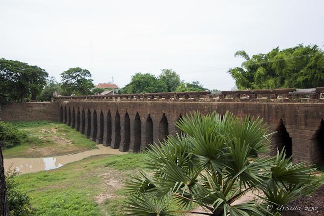 21 arch laterite bridge across the Chhikreng River, Cambodia