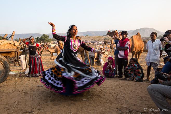 Spinning Rajastani gypsy danser, Pushkar, India