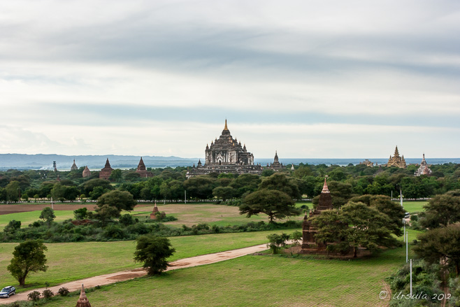 View over Thatbyinnyu Temple, Bagan from Shwesandaw