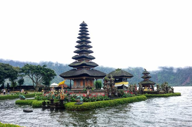 The 11-tiered meru of Pura Ulun Danu Batur, Bali