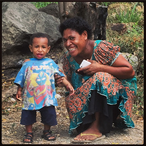 Papuan mother and toddler, Port Moresby