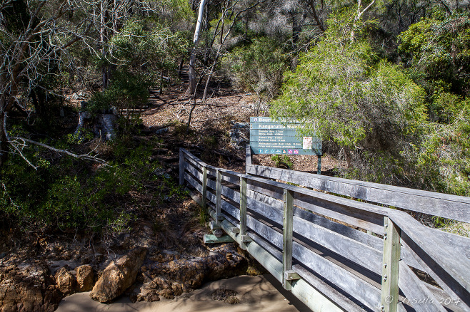 Signpost: Kangarutha Walking Track, Tathra