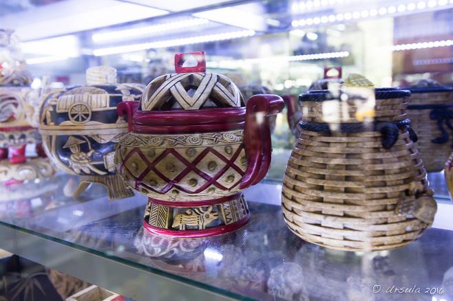 Vietnamese wicker-covered teapots, Non Nuoc Village shop, Vietnam